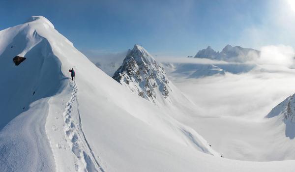 Simul climbing on snow