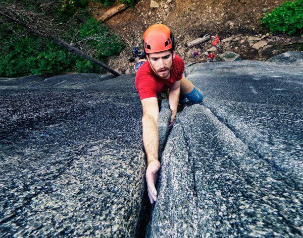 learn trad climbing